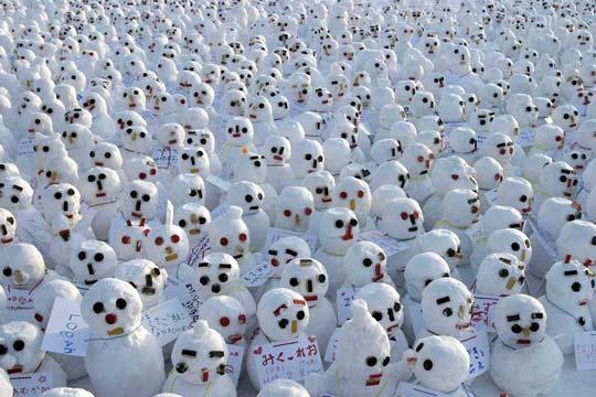 Manifestacao de bonecos de neve