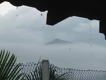 Silêncio e chuva em Caraguá