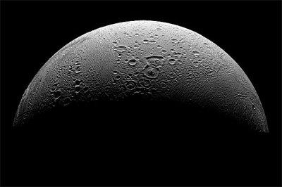 lua de júpiter p&b com sombra