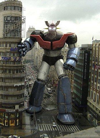 transformer gigante andando na rua