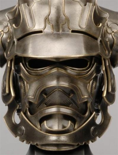 capacete com máscara de ferrro de guerreiro japonês samurai