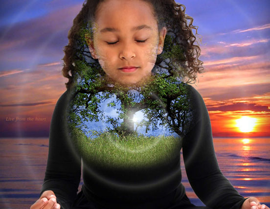 deliciousghostcom_girl_meditating_hologram1