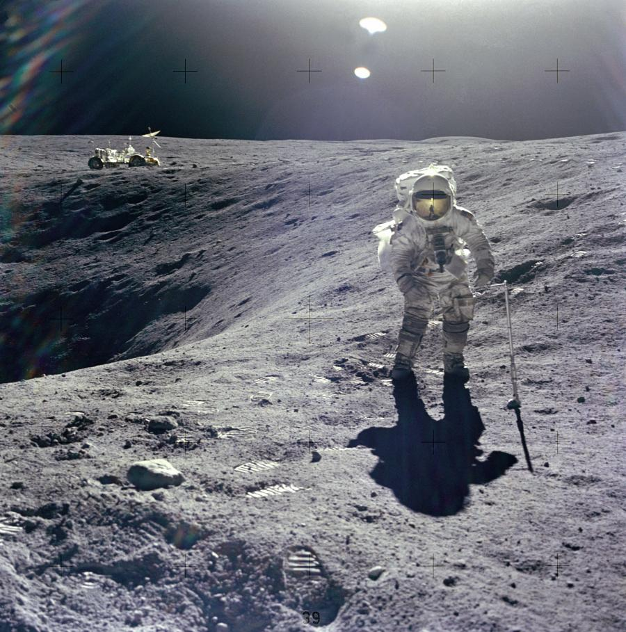 nasa_man_apollo_xvi_16_on_the_moon_rzjhvdzhysfjbdpkmt