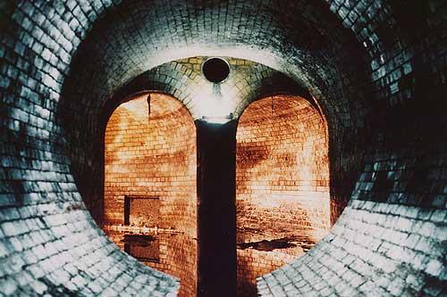 smashingplanet.com_2009_04_19_10-scariest-underground-tunnels-world_61