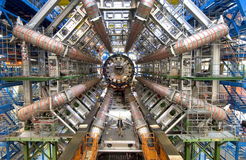 atlasexperiment.org-atlas_photos-selected-photos-toroid_magnets-barrel-tor_bar_1006_004