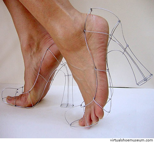 thetoyzone.com_2009_blog_15-most-painful-shoes-ever-created_wireshoes