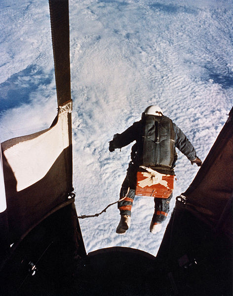 en.wikipedia.org_wiki_File-Kittinger-jump