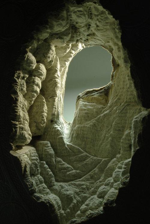 Entrada de caverna ou túnel, de formato oval